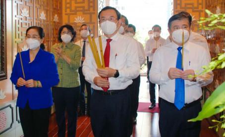 Lãnh đạo Thành phố Hồ Chí Minh dâng hương Chủ tịch Tôn Đức Thắng nhân kỷ niêm 133 năm Ngày sinh của Người (20/8/1888 - 20/8/2021)